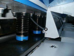Guillotine hydraulique pour tôle